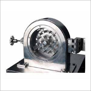 Pin mill machine