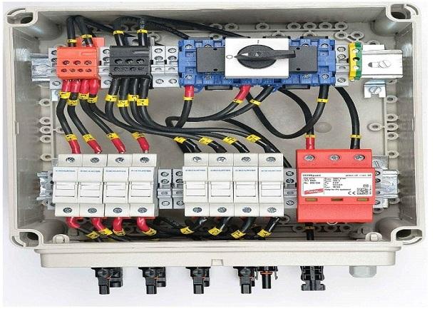 Elmex photovoltaic solar combiner box